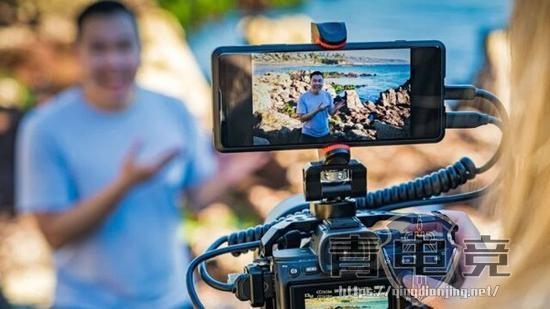 索尼Xperia PRO开卖:4K顶级屏幕 售价16000